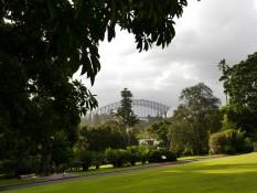 Oper und Brücke aus Botanischen Garten fotografiert