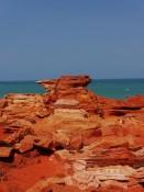 rote Felsen, türkieses Meer