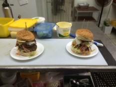 Bauchschmerz-Burger