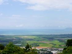 Blick von den Tableland nach Cairns
