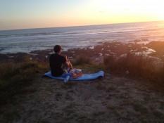 freecampen in Mitimiti - Abendessen beim Sonnenuntergang