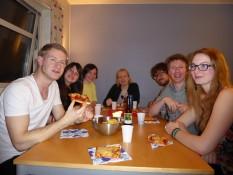 Geburtstagsessen mit (von links nach rechts): Simon, Rebecca, Urska, Michele, Kai, Fredrik, Vivien