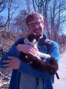 Kai mit Kuschelkatze - Kai with a kuddly cat