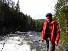 Nina am Wasserfall - Nina in front of the waterfall
