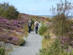 Fredrik und Flo strammen Schrittes voraus - Fredrik and Flo walking ahead