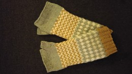 arm-warmers from the self-dyed wool