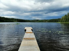 Close lake