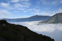 Valle nublado