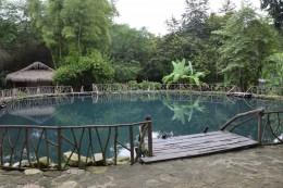 Schwefelhaltiger Teich