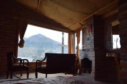 Cabañas con la vista hacia el volcán
