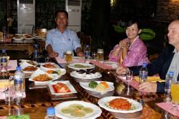 Am liebsten essen wir zusammen mit den Koreanern