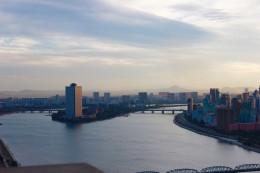 Yanggakdo-Hotel auf der Yanggak-Insel im Taedong-Fluss, 40 Stockwerke, bevorzugtes Touristenhotel