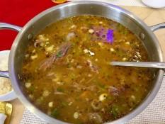 Auch eine koreanische Spezialität: Süße Suppe (Hundefleisch)