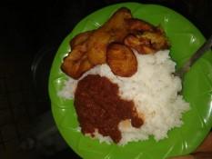 Zum Reis gibt es ab und zu auch Fried Plantains dazu