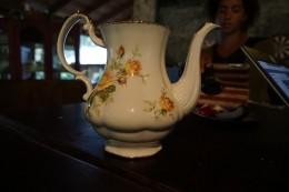 Jeden Tag trinken wir Tee.