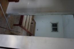 To værelses-lejlighed, som vi bor i nu. Bare uden bad og køkken ;)