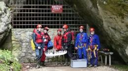Höhlenbefahrung in Slowenien mit einem Team