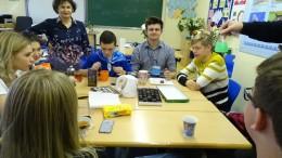 Von Lehrerin geleitete Projektgruppe mit deutschen und russischen Jugendlichen