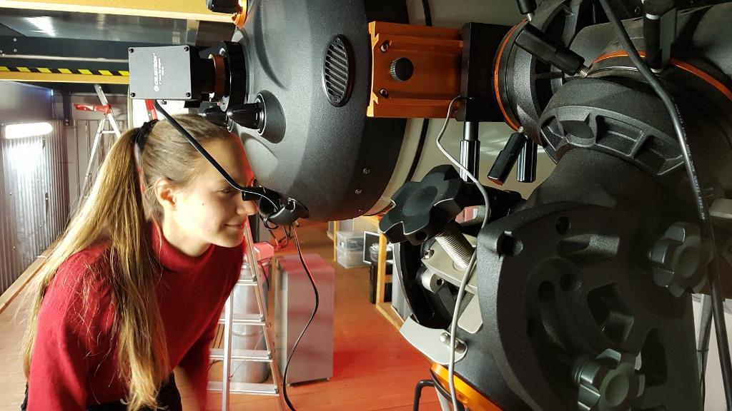 Mayya am C14 in der Sternwarte auf dem SFN