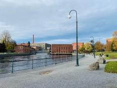 Parkidylle am Flussufer