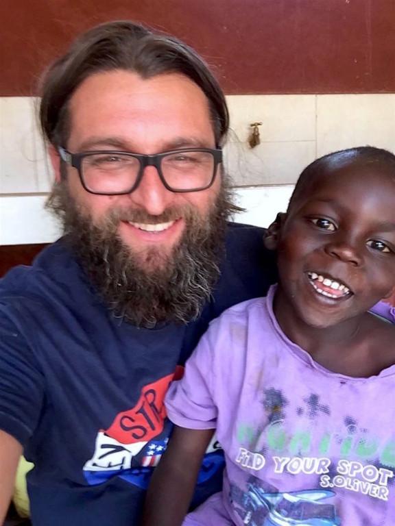 Missionar Miro zusammen mit Shadrack