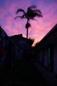 Sonnenuntergang über den Dächern des Hostels