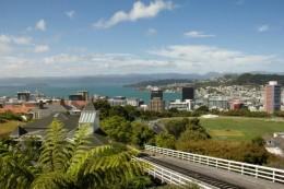 Blick über Wellington, im Vordergrund die Cable Car Strecke