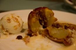 Bratapfel mit Vanillesoße und Hokey Pokey - die Herbstzeit bricht an!