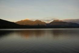 Schöne Berge am Morgen