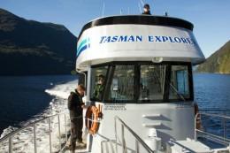Ein schönes Boot (vessel) auf dem Doubtful Sound