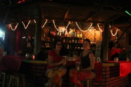 Ein Cocktail an der Bar