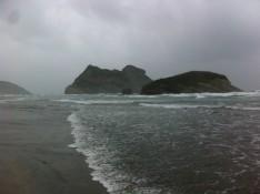 Wharariki Beach bei bestem Strandwetter