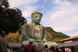 Der Große Buddha, der geduldig auf die ganzen Touristen schaut