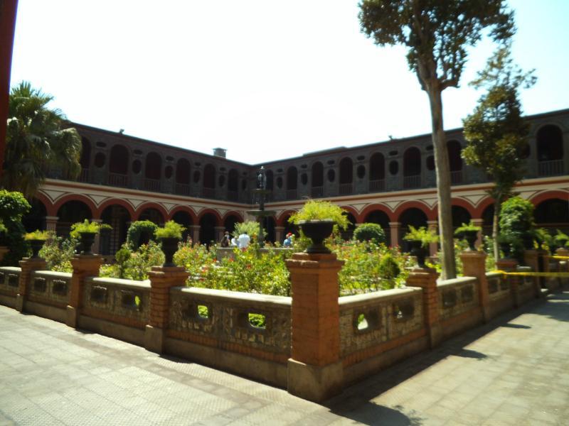 Hatte ich erwähnt, dass ich Innenhöfe mag? (Kloster von Santo Domingo)