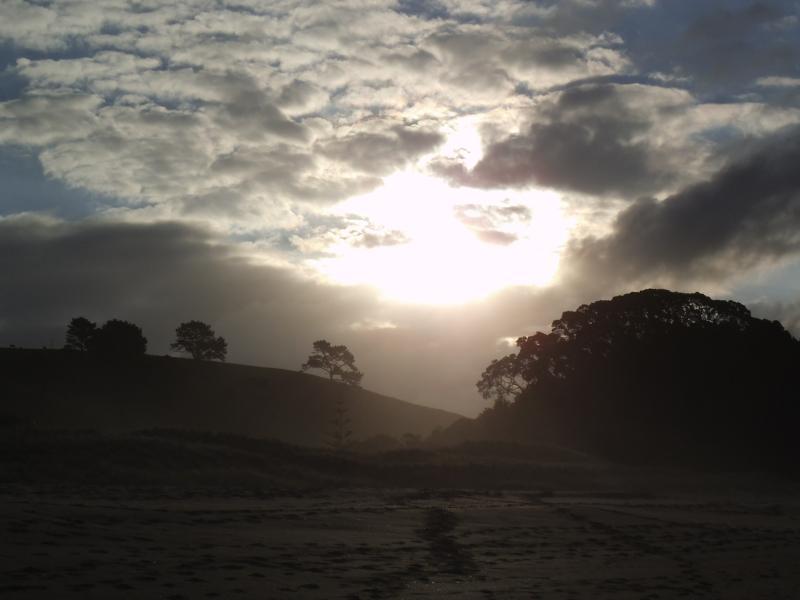 Sonnenuntergang am Heißwsasserstrand auf der Halbinsel Coromandel