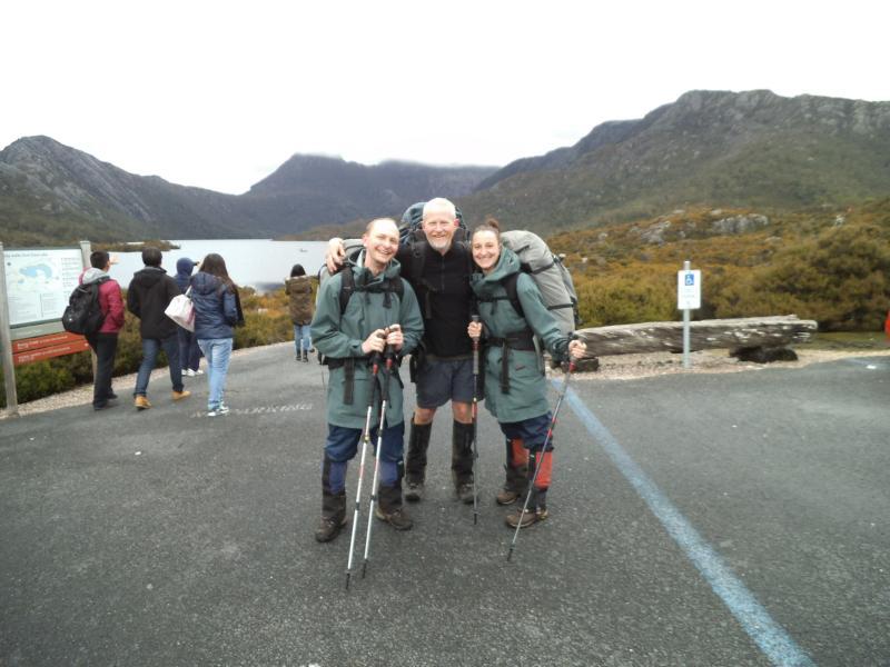 Robert, Ken und ich nach sechs Tagen auf dem Overland Track