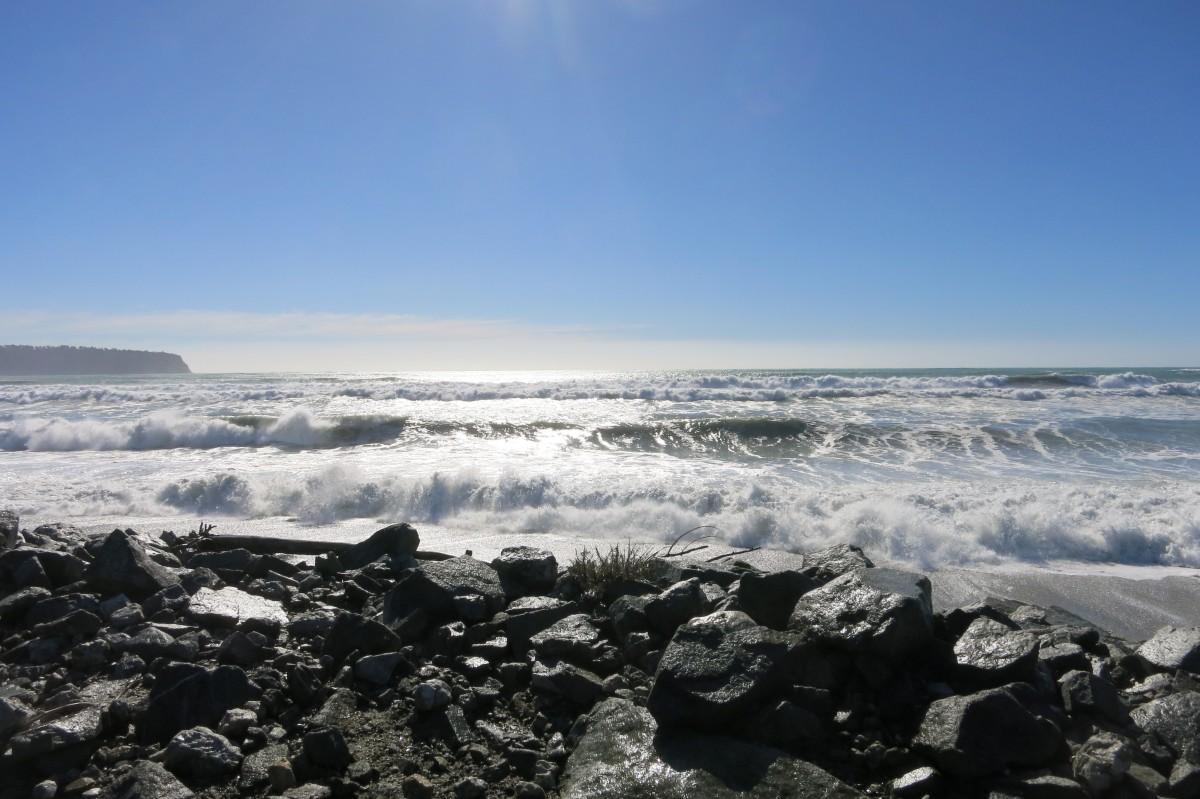 Hereinrollende Flut an der Westküste