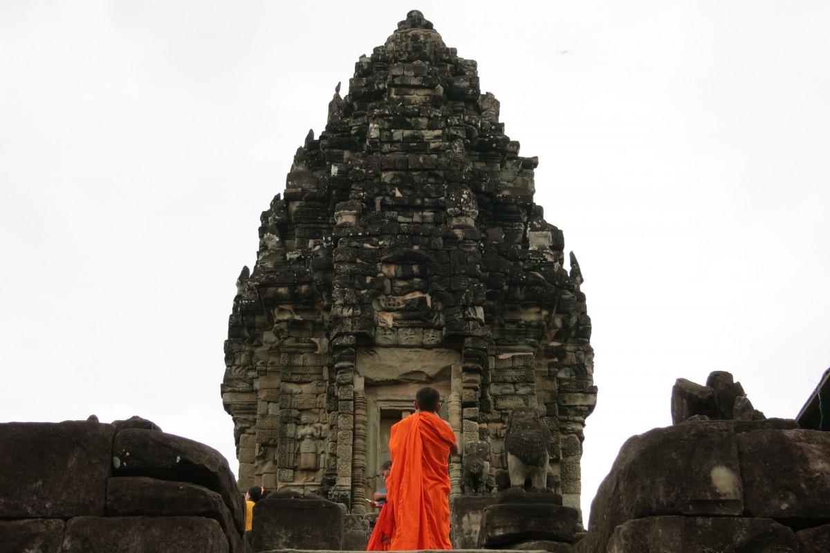 Einer von vielen Mönchen bei Bakong