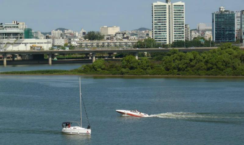 Freizeitboote gibt es,Schiffs-Frachtverkehr nicht