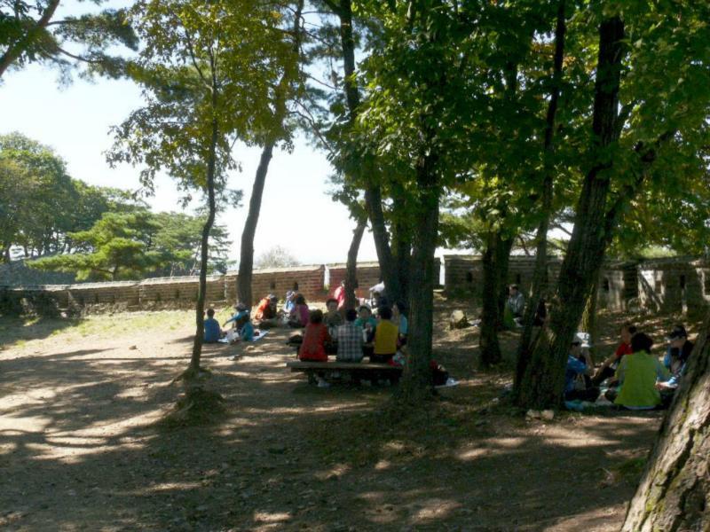 Koreaner beim Picknick - gerne und ausgiebig