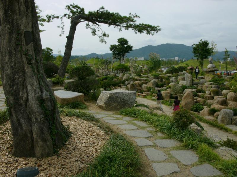 Fantastische Blicke im Steingarten