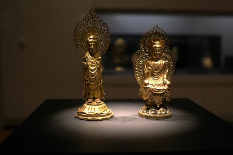Buddhistische Skulpturen von klein...