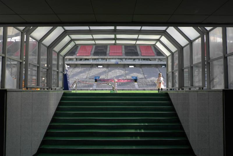 Tunnel der Mannschaften ins Stadion