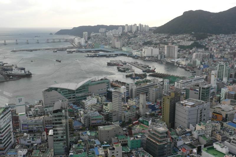 Fischmarkt und Hafenbucht