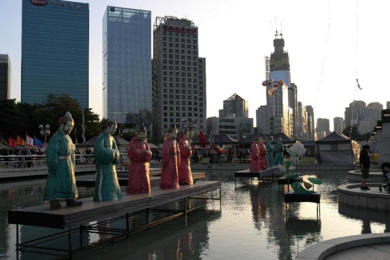 Block vom Olympic Park auf das neue Lotte World