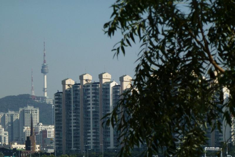 Blick zum Nordufer mit Seoul Tower