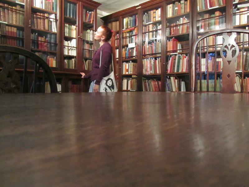 Ich, in der ehemaligen Küche, heute Bibliothek.