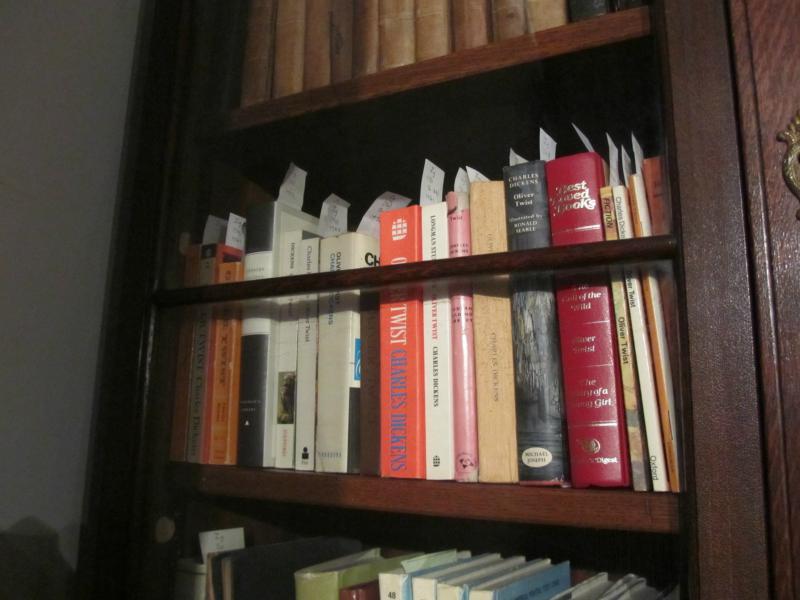 Auswahl der Ausgaben von Oliver Twist.