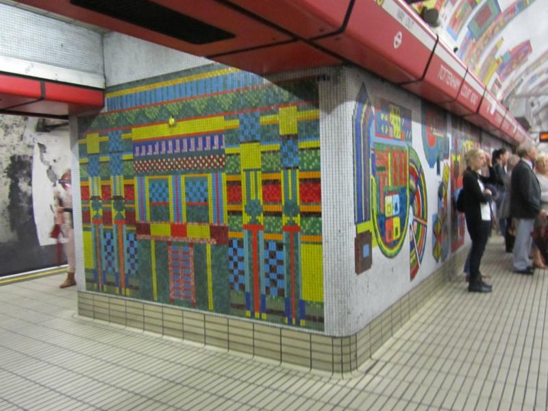 U-Bahn Gestaltung: Tottenham Court Road Station