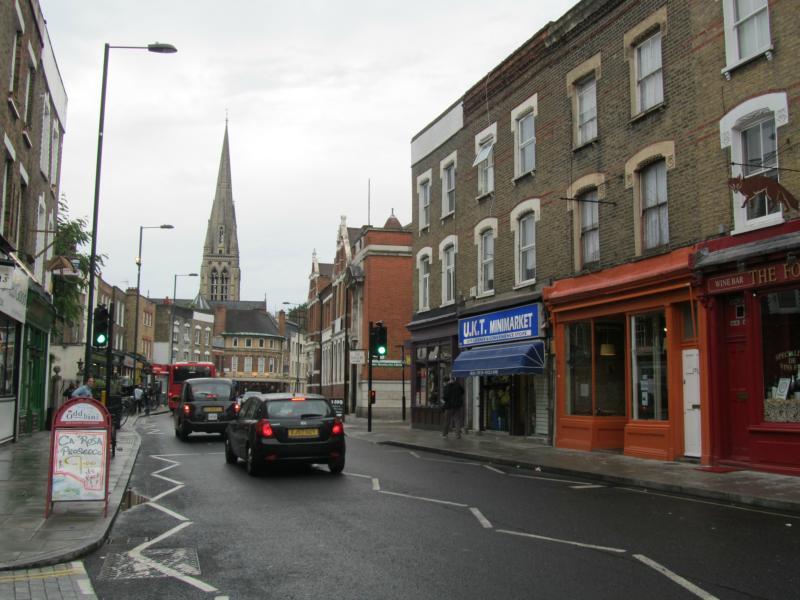 Stoke Newington Church Street mit St. Mary´s Church